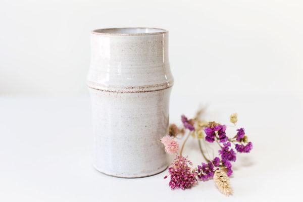 Witte vaas met rand